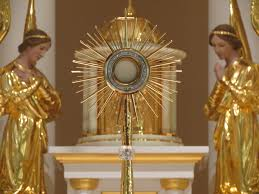 monstrance with angels